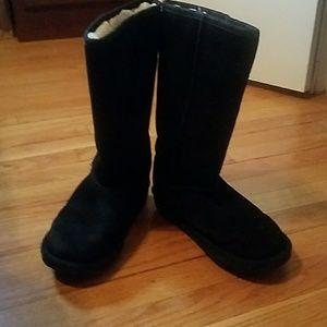 Emu Black Boots Size 6